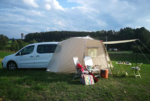 Hire a motorhome in Bad Waldsee from private owners| Citroen Camper KARLIE