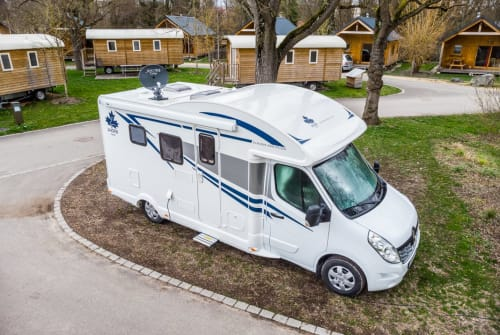 Hire a motorhome in Wolnzach from private owners| Ahorn Ahörnchen 2019