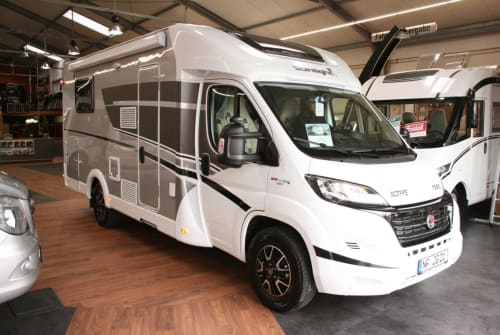 Hire a motorhome in Husum from private owners| Sunlight Wattwurm