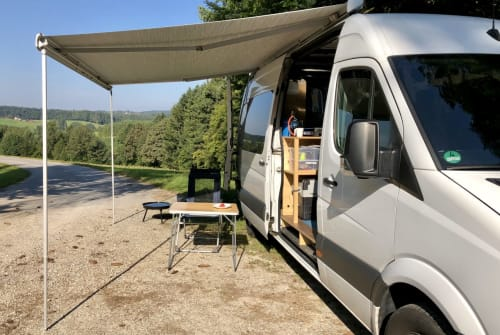 Hire a motorhome in Wangen from private owners  Mercedes Räuberbus