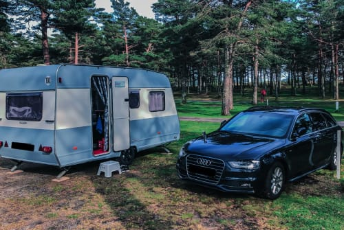 Hire a motorhome in Langenhagen from private owners| Bürstner SweetHome