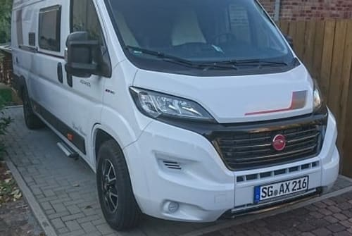 Hire a motorhome in Solingen from private owners| Roller Team Happy Sol