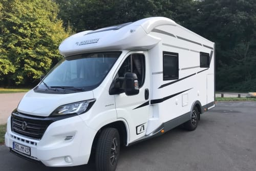 Hire a motorhome in Rostock from private owners| Mobilvetta MM