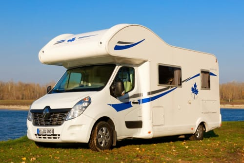 Hire a motorhome in Malsch from private owners| Ahorn Kadu