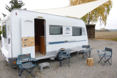 Hire a motorhome in Herrenberg from private owners| Knaus Tabbert Ring Camper