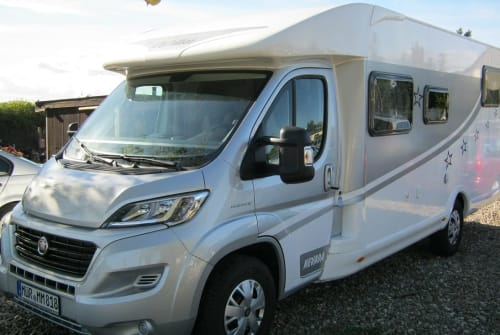 Hire a motorhome in Waren (Müritz) from private owners| FIAT DUCATO QUEEN MARY