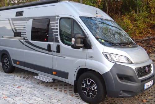 Hire a motorhome in Böhl-Iggelheim from private owners| Fiat Orange Camp Leo