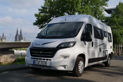 Hire a motorhome in Köln from private owners| Roller Team Dexter