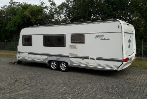 Hire a motorhome in Bad Sooden-Allendorf from private owners  LMC LMC Caravan 660 P
