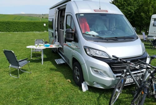 Hire a motorhome in Seligenstadt from private owners| Challenger Jerome