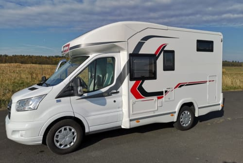 Hire a motorhome in Seligenstadt from private owners| Challenger Emil