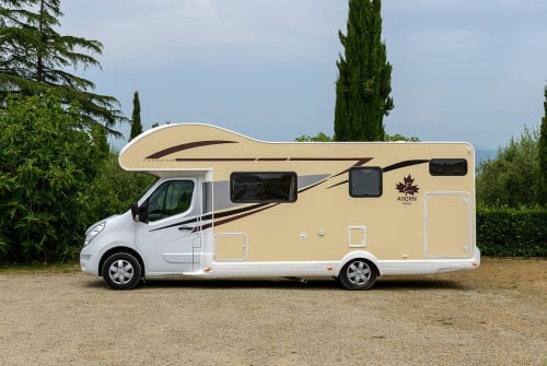 Hire a motorhome in Garbsen from private owners| Ahorn Canada AS Webers AS