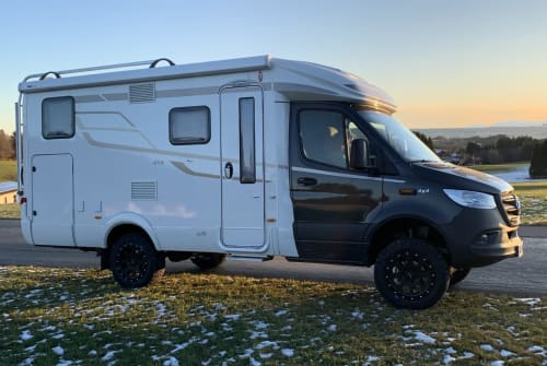 Hire a motorhome in Zimmern ob Rottweil from private owners| Hymer Zischmobil I