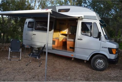 Hire a motorhome in Alcantarilha from private owners| Mercedes 307D