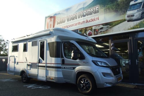 Hire a motorhome in Schagerbrug from private owners| Adria Matrix  Adria 670 SL