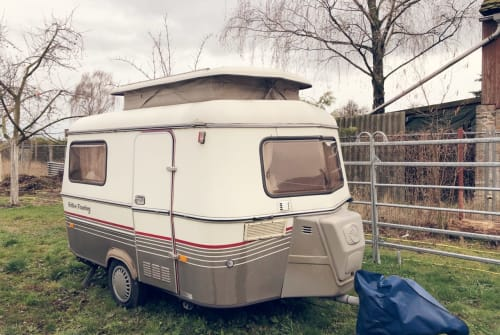 Hire a motorhome in Berlin from private owners| Hymer Eriba PanBär