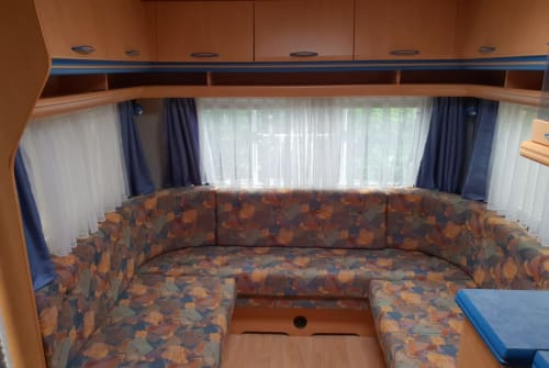 Hire a motorhome in Zoutelande from private owners| HOBBY Anthonie