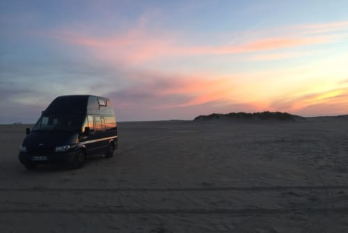 Hire a motorhome in Dortmund from private owners| Ford Nugget