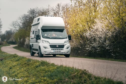 Hire a motorhome in Regensburg from private owners| Pössl Erwin