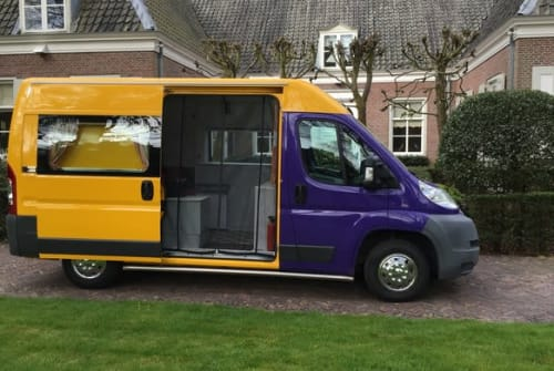 Hire a motorhome in Bilthoven from private owners  Citroen Bassie