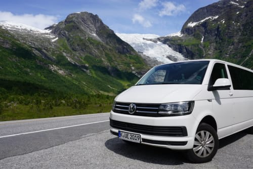 Hire a motorhome in Köln from private owners  VW KARLSON