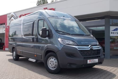 Hire a motorhome in Brandis from private owners| Pössl Strassenstern