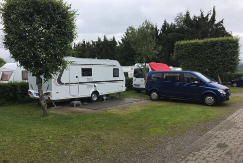 Hire a motorhome in Pliezhausen from private owners| Weinsberg CaraOne Familienfreund