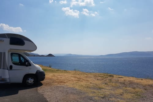 Hire a motorhome in Sindelfingen from private owners| Elnagh Baron