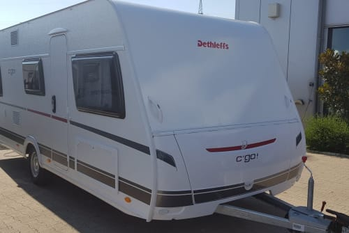 Hire a motorhome in Ettlingen from private owners| Dethleffs Karl