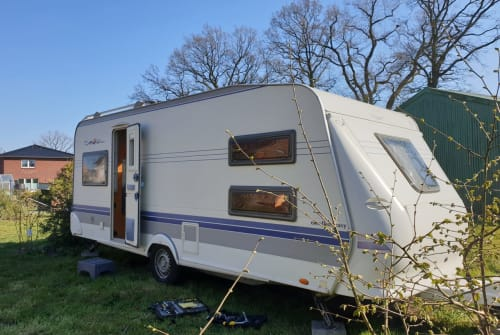 Hire a motorhome in Alveslohe from private owners| Hobby Olaf