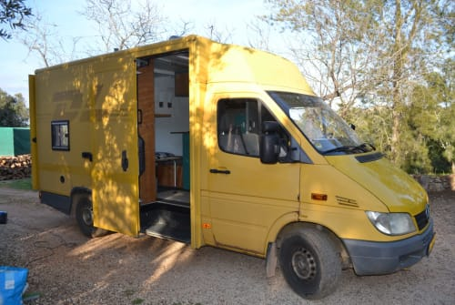 Hire a motorhome in Alcantarilha from private owners| Mercedes 308 sprinter