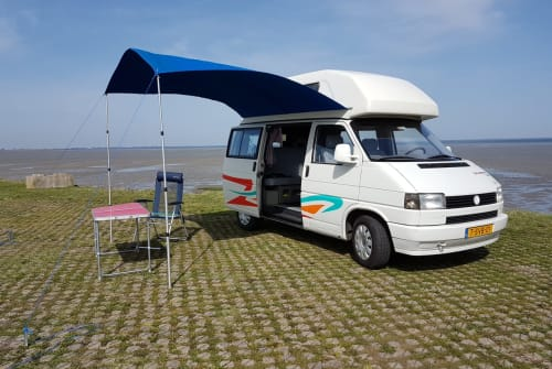Hire a motorhome in Krabbendijke from private owners| Volkswagen T4 Westfalia  VanHoutekamer