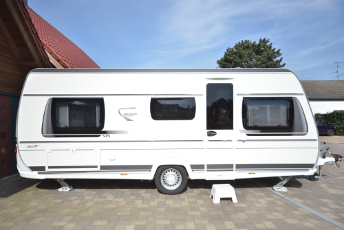 Hire a motorhome in Isselburg from private owners| Fendt Felix II