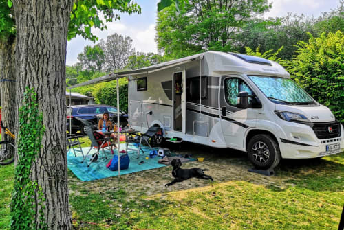 Hire a motorhome in Krumbach from private owners| Sunlight Maui Beach