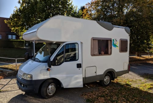 Hire a motorhome in Hamburg from private owners| Knaus Bruno