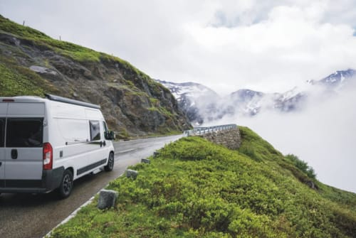Hire a motorhome in Gera from private owners| Carado Carado Vlow