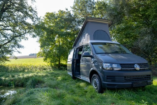 Hire a motorhome in Regensburg from private owners| VW VW T6 Camper