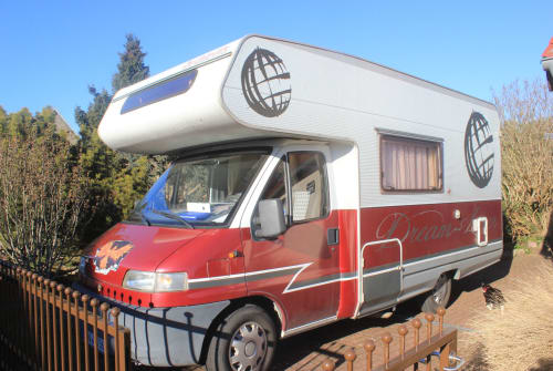 Hire a motorhome in Hohen Neuendorf from private owners| Fiat  Lady in Red