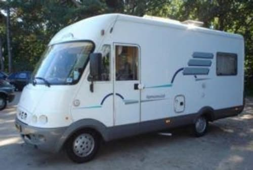 Hire a motorhome in Rogat from private owners| Hymer Hymer B534