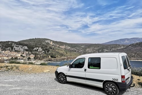 Hire a motorhome in Saarbrücken from private owners| Peugeot Johnny