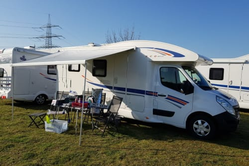 Hire a motorhome in Hünxe from private owners| Ahorn Camp AllinCamper 690