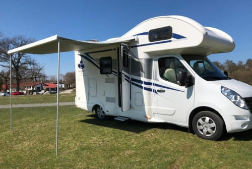 Hire a motorhome in Schramberg from private owners  Ahorn Camp A 595 Modell 2019 Campact