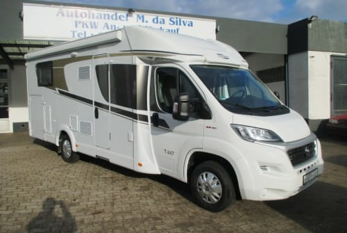 Hire a motorhome in Ratekau from private owners  Carado Carado