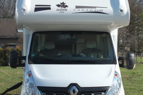 Hire a motorhome in Geldern from private owners| Ahorn Rudelmobil