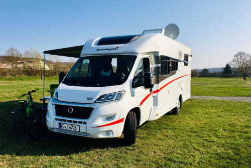 Hire a motorhome in Sommerhausen from private owners| Sunlight Sunny