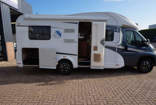 Hire a motorhome in Schagerbrug from private owners| Knaus Sky Wave 650sf Knaus Sky Wave