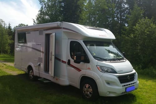 Hire a motorhome in Buchholz in der Nordheide from private owners| Dethleffs  Maximus