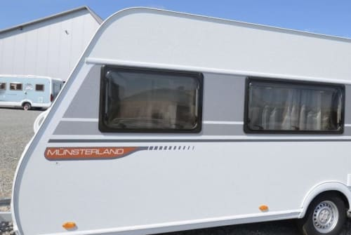 Hire a motorhome in Flensburg from private owners| LMC Fritz