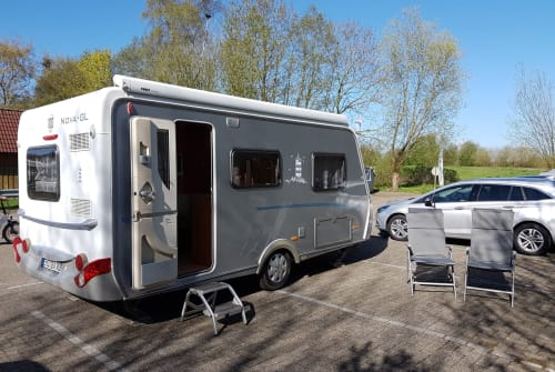 Hire a motorhome in Berlin from private owners| ERIBA OLDO