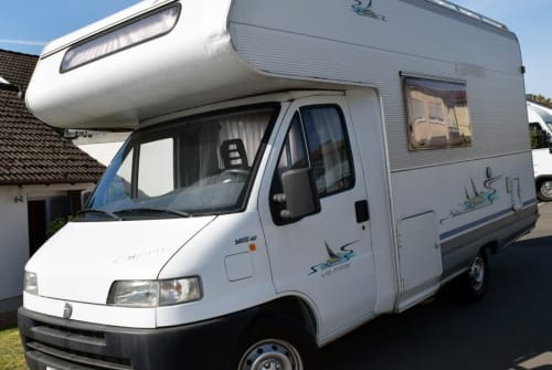 Hire a motorhome in Kirchhain from private owners| Dethleffs Detlef
